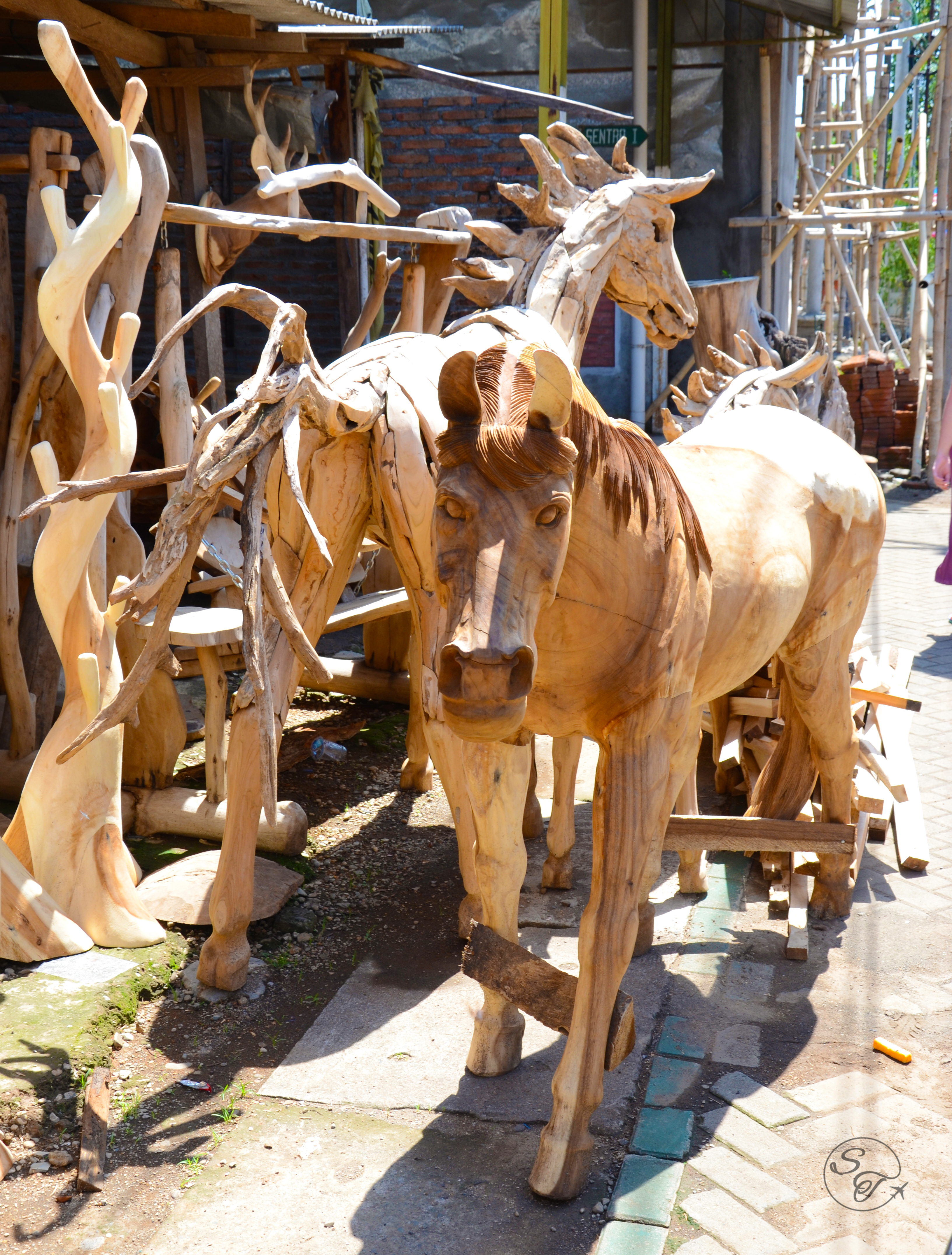 Snapshot monday wood art in jepara indonesia for Furniture jepara