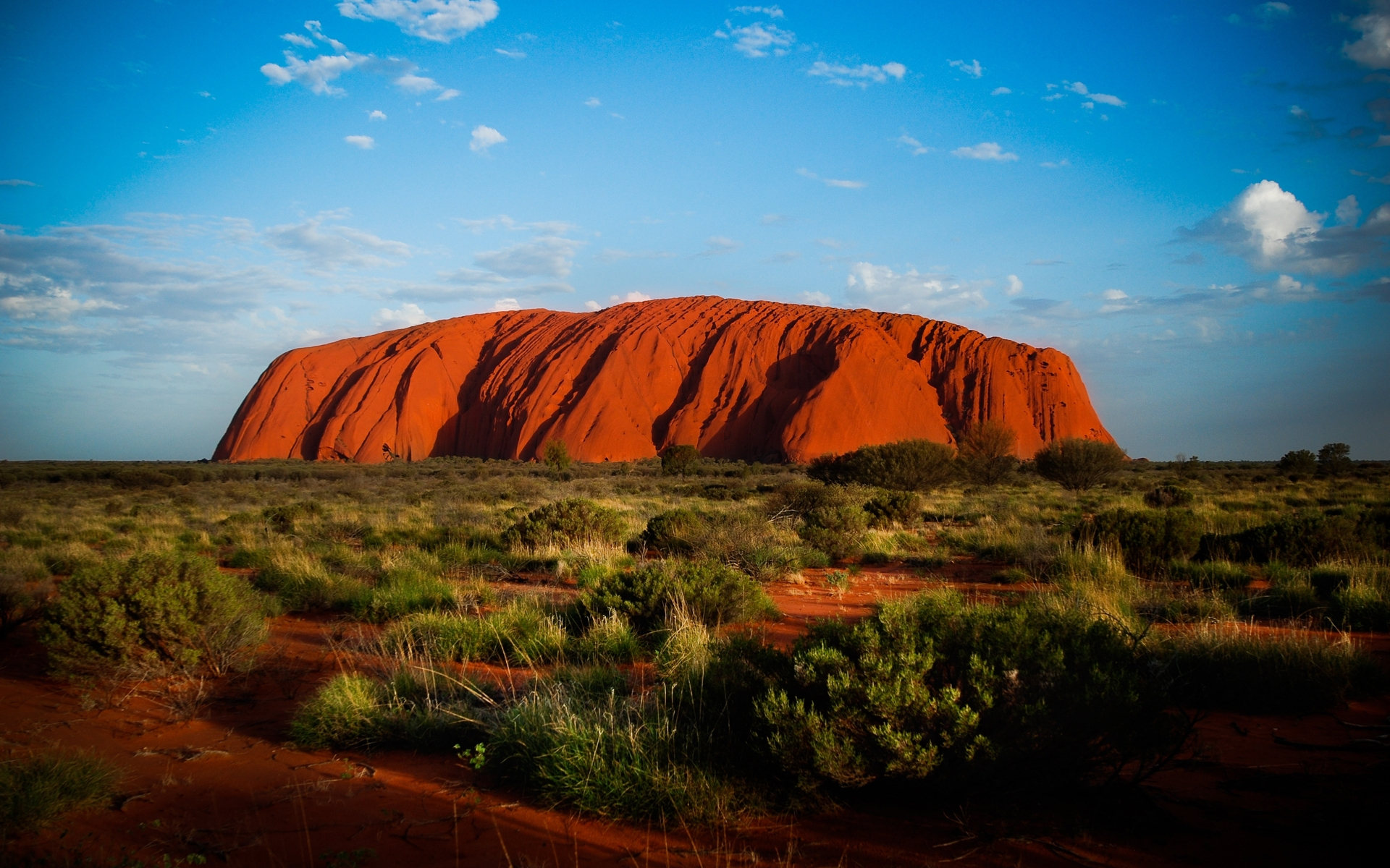 File:Climbing Uluru, Uluru-Kata Tjuta National Park ... |Uluru Kata Tjuta National Park Australia
