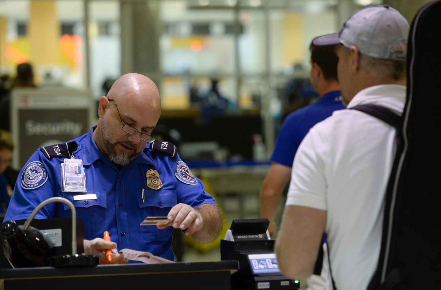 6 travel tips to help you fly through airport security 6 tips to help you fly through airport security