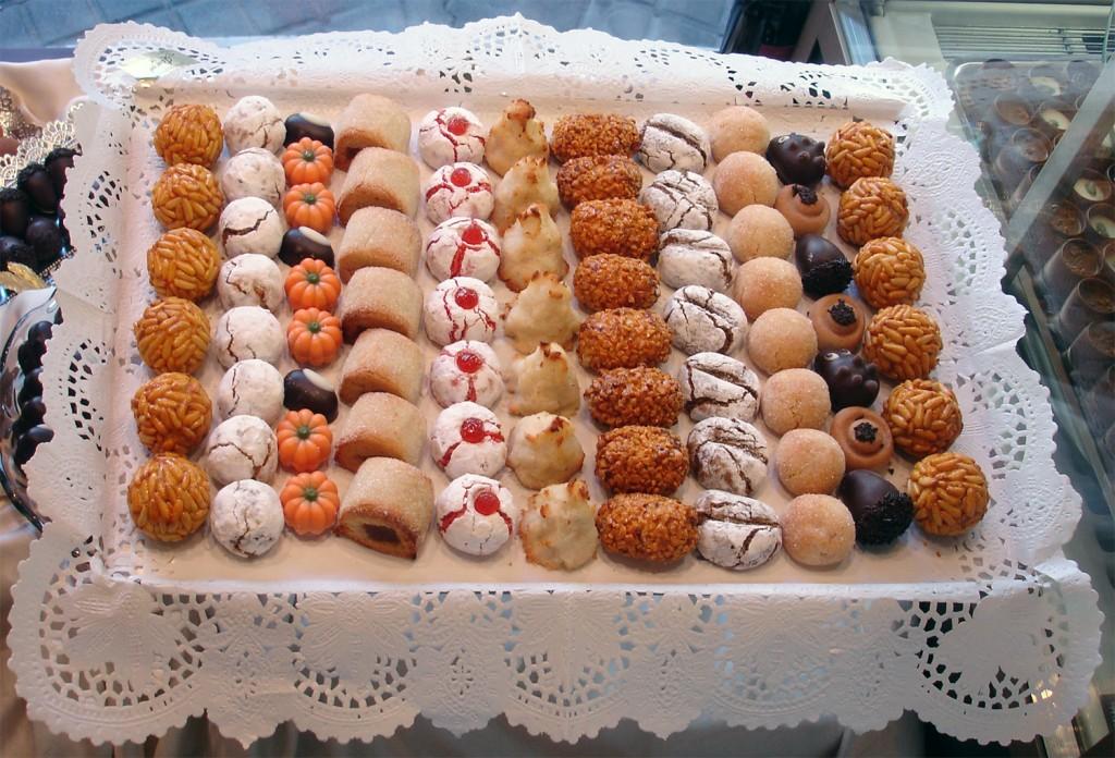Gastronome Wednesday ~ Cookies, Cookies, Cookies!