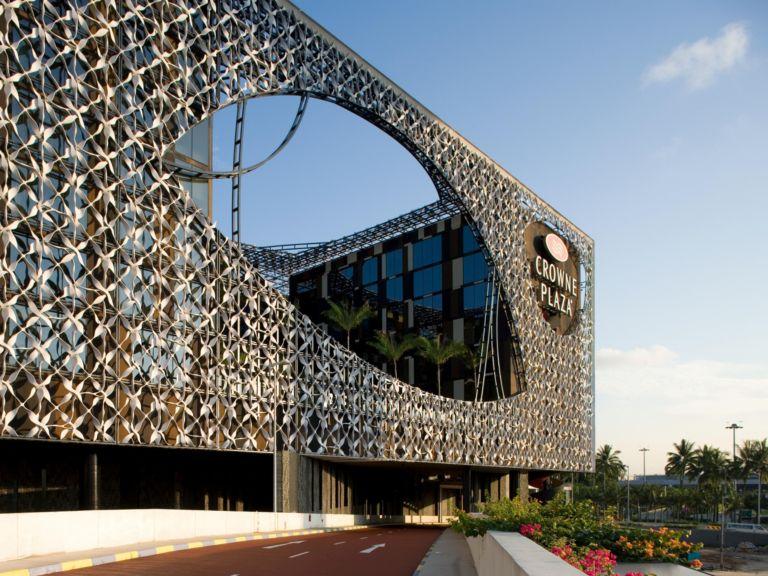 Crowne Plaza Changi Airport – Luxurious Convenience