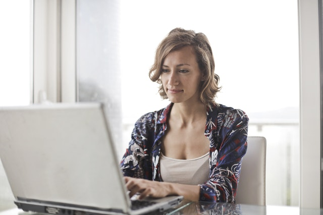 Pros & Cons of Being a Virtual Assistant