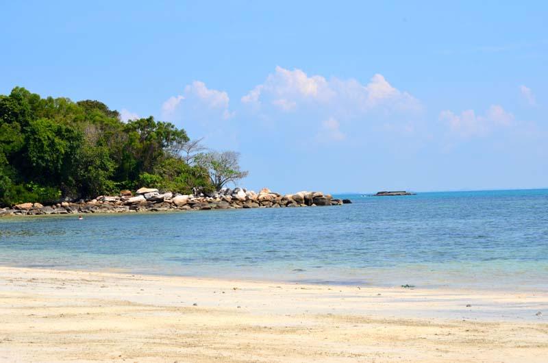 Tip-of-beach-at-Nirwana