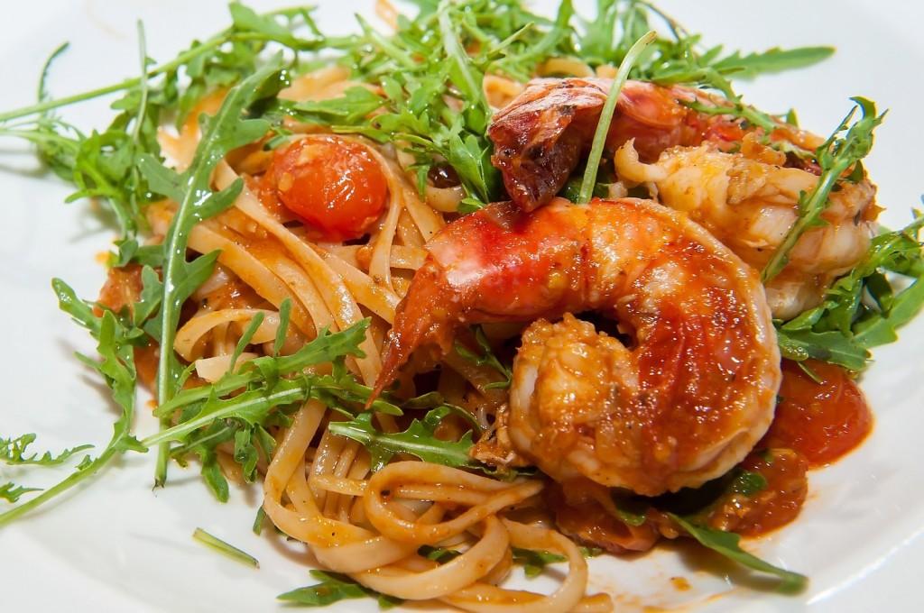 Fettuccine con Gamberoni in salsa di Aragosta