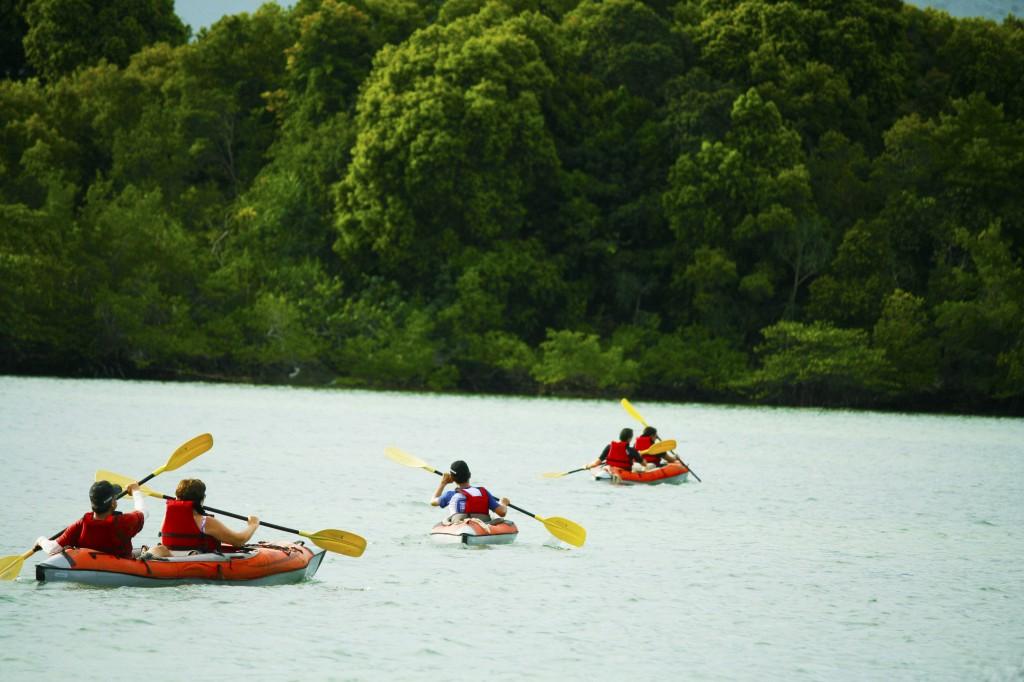 Telunas Kayaking