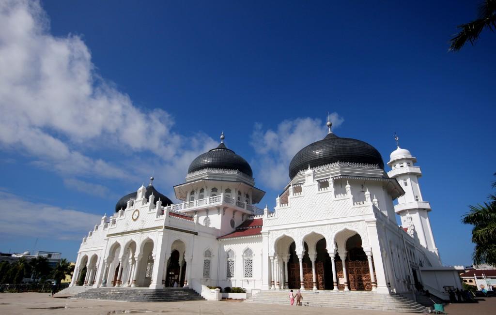 The Mesjid Besar Baiturrahman Mosque.