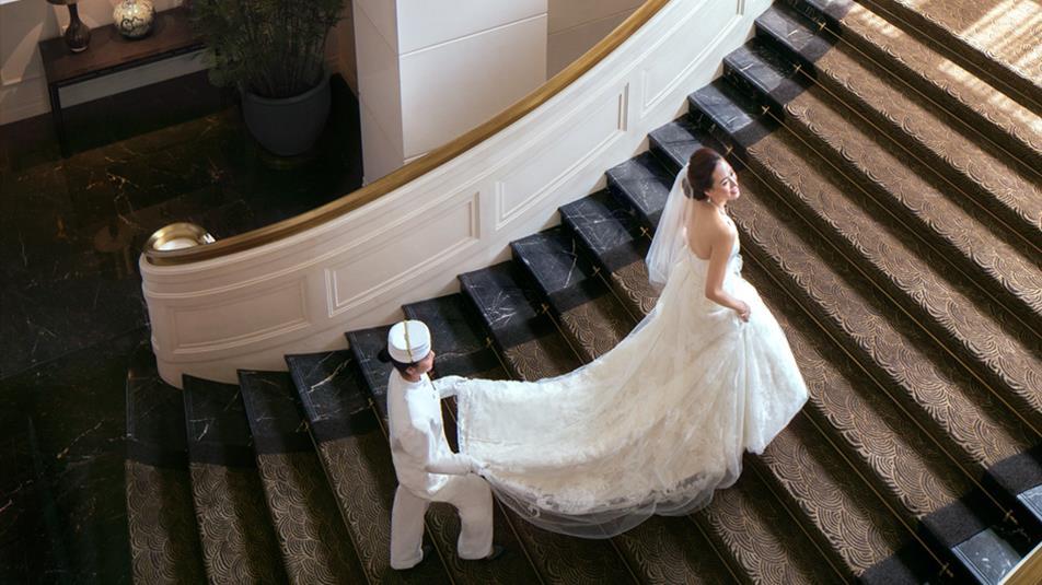 weddings-staircase-pink HK