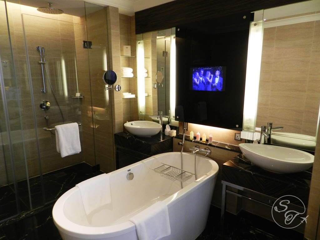 Bathroom in the Deluxe room tower wing