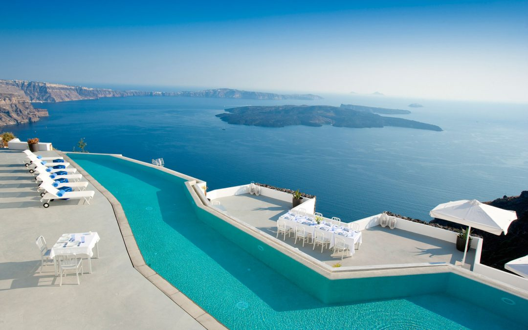 5 Uber Luxurious Hotel Pools